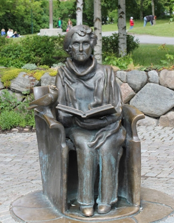 astrid statua