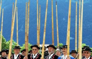 Alphoerner statt Hellebarden: Eidg. Jodlerfest 2011 in Interlaken