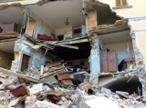 Sisma: Amatrice devastata, si tenta salvare sei persone